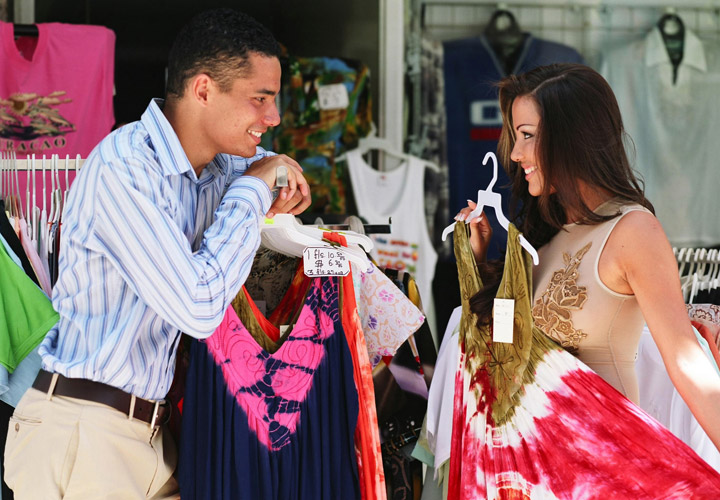 Antigua Shopping from the East Coast